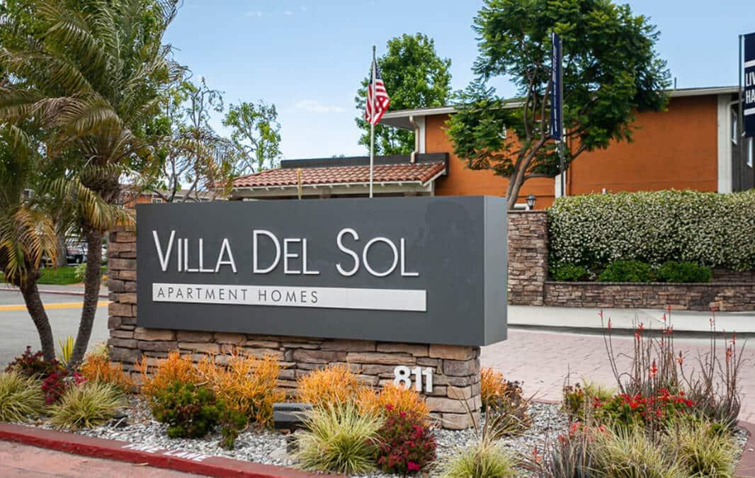 Villa Del Sol Apartments sign